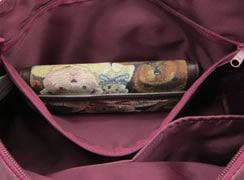 バッグ内側:ファスナー式ポケット