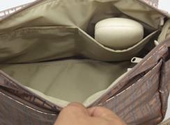 内オープンポケット×2は、めがねケースなど倒れないので取り出しやすい