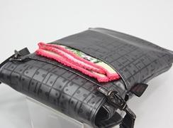 キキ2 ヒップハンガー2は外後にはオープンポケットが付いています。ハンドタオルやティッシュなどを入れておくと便利。