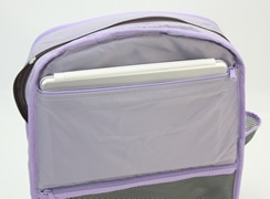 内側:ファスナーポケット(上段)には、ipad2が入る幅があります。<br>※バッグを裏返して撮影しています