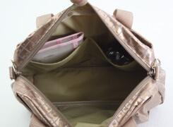 内側 オープンポケットは二つ付いています。