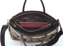 ミニテディ 2way横長ボルサは内ファスナーポケットには、大きな財布を入れることができて安心