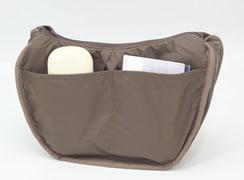 内オープンポケットはめがねケースやメモ帳や通帳など綺麗に整理できるポケットです(バッグを裏返しにして見やすくしています)