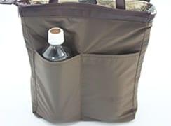 内側のオープンポケットは少し深めなのでペットボトルが入るようなサイズがあります。(バッグを裏返しにして見やすくしています)
