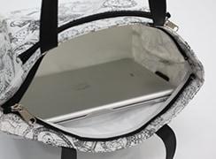 内側は容量約3リットルあり、ipadなどのタブレットがゆったり入るサイズです。