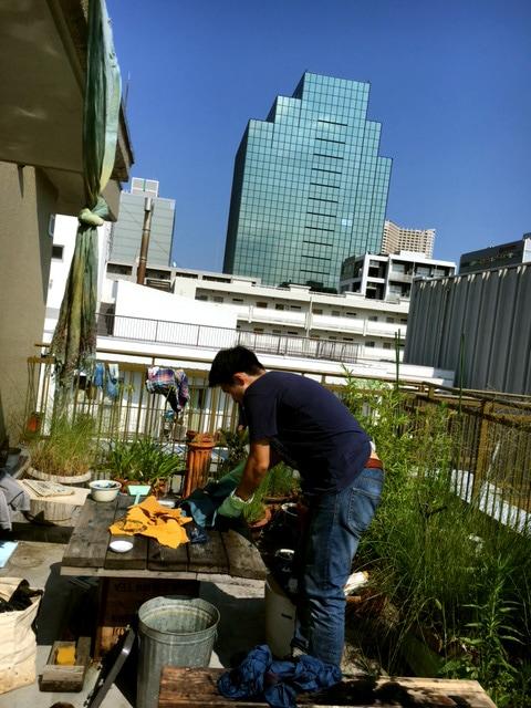 マンションで藍染、東京芝浦