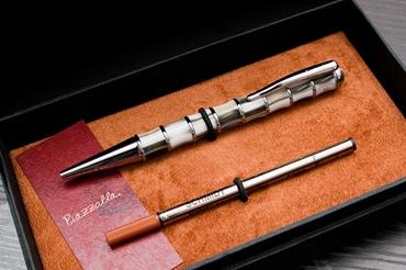 名入れペンはイタリア製の高級ペンです。