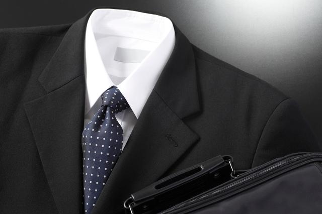 スーツの臭いを強力消臭:スプレー・置き型ジェル
