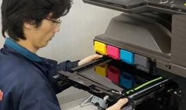コピー機の印字不良を改善する修理