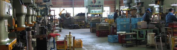 カトラリー(ナイフ・フォーク・スプーン)他、各種金属加工製品の製造を請け賜ります。