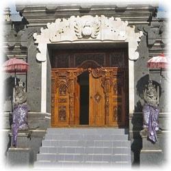 バリ島の玄関の写真