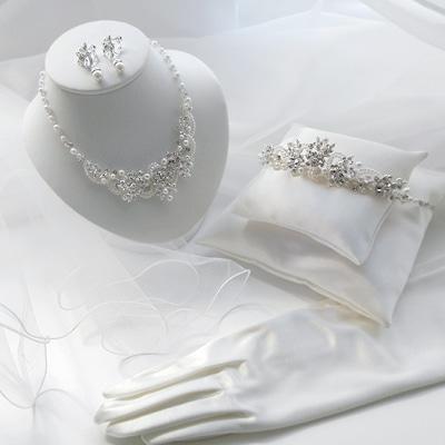 花嫁ドレスコーディネートアクセサリー