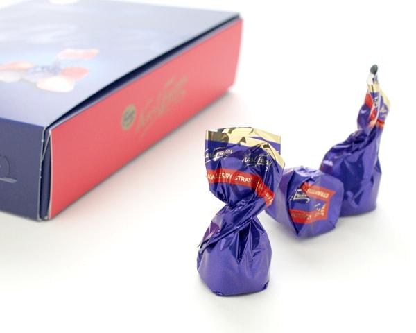 ファッツェル (Fazer) ストロベリークリスプ チョコレート 170g