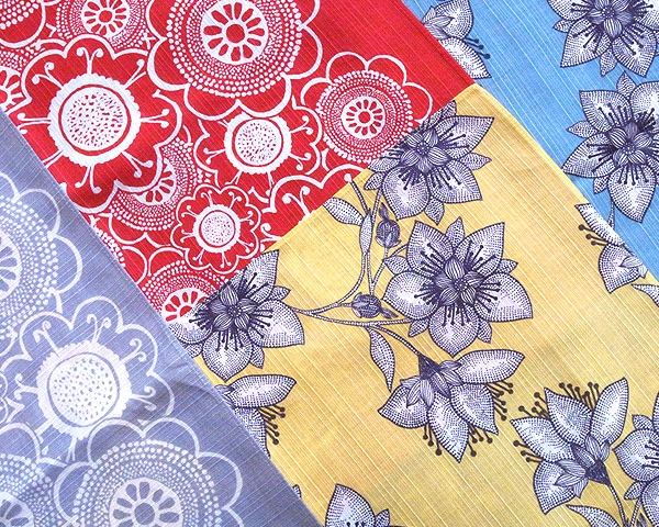 機械染めではなく、京都の職人さんによる手染めによって「ヘイニ・リータフフタ」が描き出す色や柄を丁寧に表現しています。
