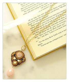 ラクメ ピンク〜天然石の刺繍ネックレス〜
