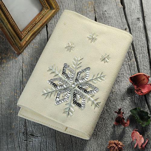 ≪ビーズ・デコ刺繍キット≫雪柄のブックカバー
