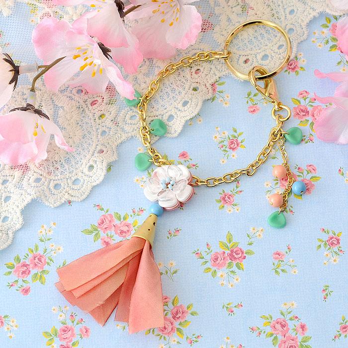 花桃とリボンタッセルのバッグチャーム