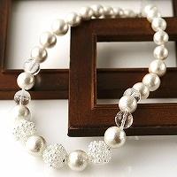 コットンパールと水晶のネックレス