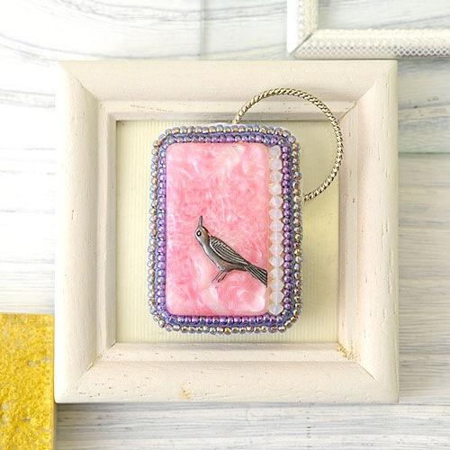 ロビン ブローチ Pink