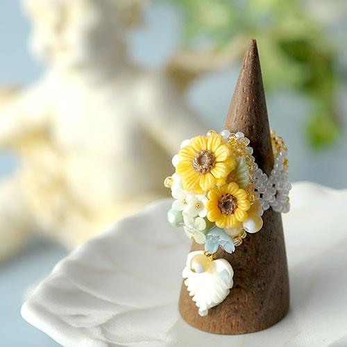 お花たっぷり 向日葵リング