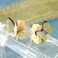 薔薇と黄色い蝶々のピアスorイヤリング