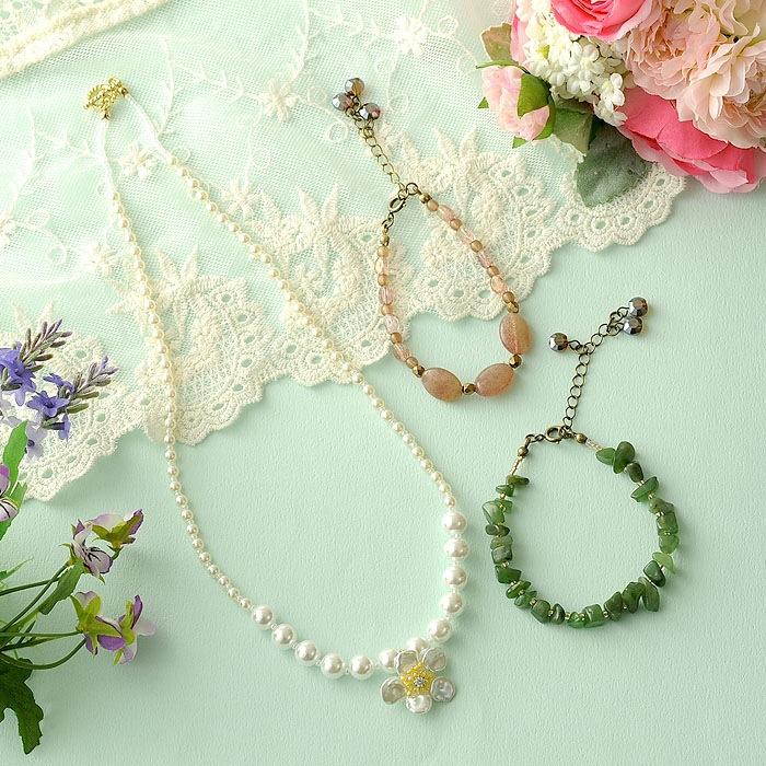 桜一輪ペンダントネックレス&若草色と朱鷺色のブレスレット