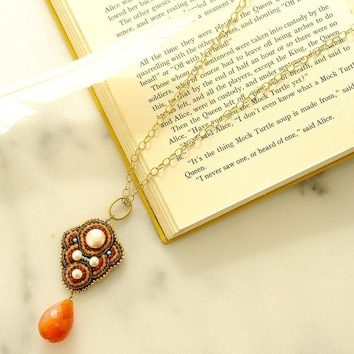 ラクメ〜天然石の刺繍ネックレス〜