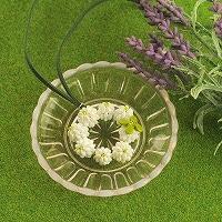 シロツメクサ花冠のペンダント