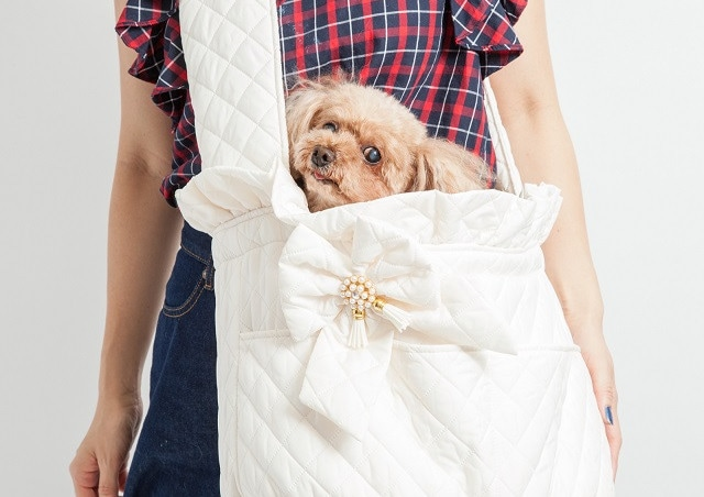 通販で愛犬グッズ・アイテムが揃ったショップをお探しなら【Bon Bon Copine】〜キャリーバッグ・スリングバッグでお出かけも〜