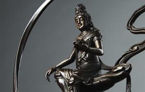 高岡銅器の仏像