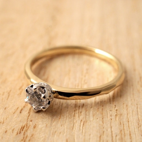 Atease TATAKI ENGAGEMENT GOLD RING