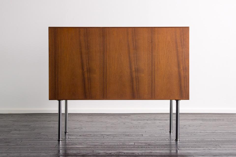 RY20 cabinet