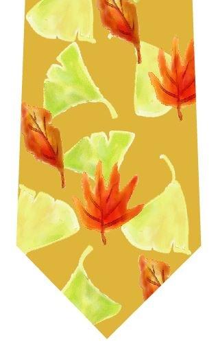 秋の落ち葉ネクタイの写真