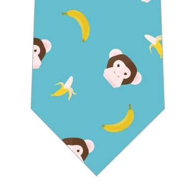 チンパンジーとバナナネクタイ(水色)の写真