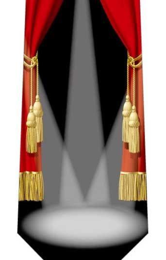 赤いカーテンとスポットライトネクタイの写真
