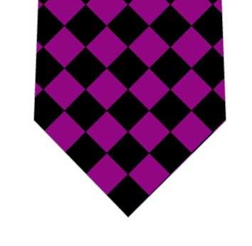 紫黒ダイヤネクタイの写真