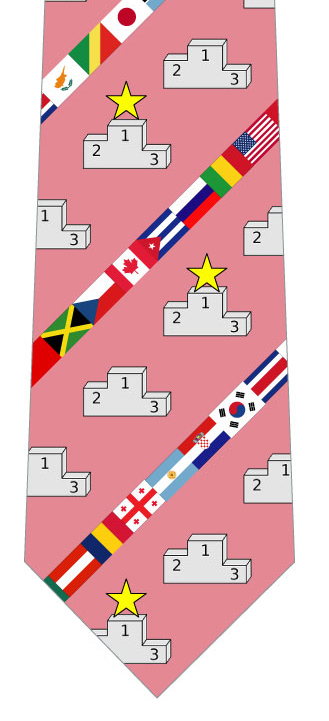 表彰台と国旗ネクタイ(ピンク)の写真