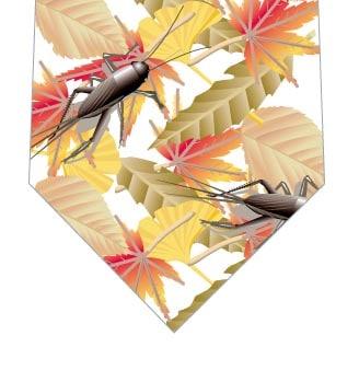 枯葉とコオロギネクタイ(白)の写真
