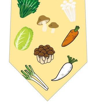 鍋の具材ネクタイ(黄色)の写真