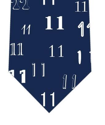 ラッキーナンバー11ネクタイの写真