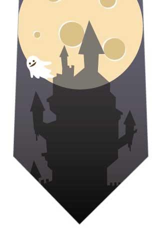 お城と月とオバケの写真