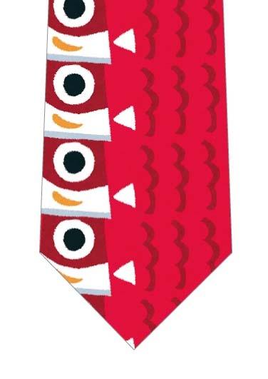 赤い鯉のぼりが縦に並んだネクタイの写真
