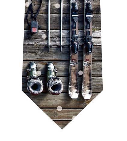 スキーの準備ネクタイの写真