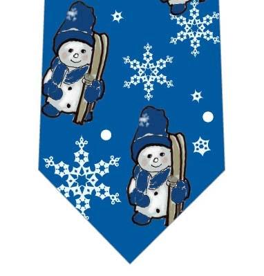 スキーに出かける雪だるまネクタイ(青)の写真