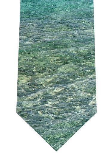 透き通った海ネクタイの写真