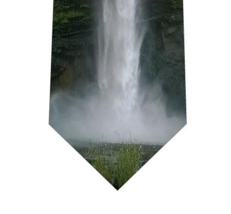 滝(写真)ネクタイの写真