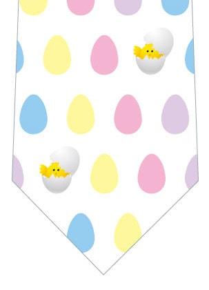 卵とヒヨコのネクタイ(白)の写真
