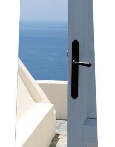 扉の向こうは海ネクタイの写真