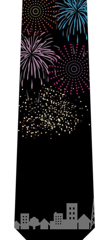 街と打ち上げ花火ネクタイの写真
