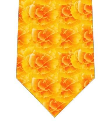 黄色い色のカーネーションがいっぱいネクタイの写真